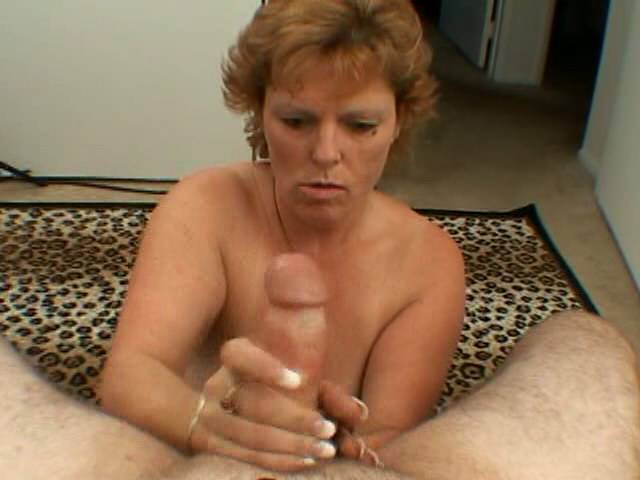 Bluffý quilled hottie granny Megan wanking a giant hogwash wary her knees